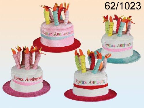 Hut in Form einer Geburtstagstorte mit Die Kerzen