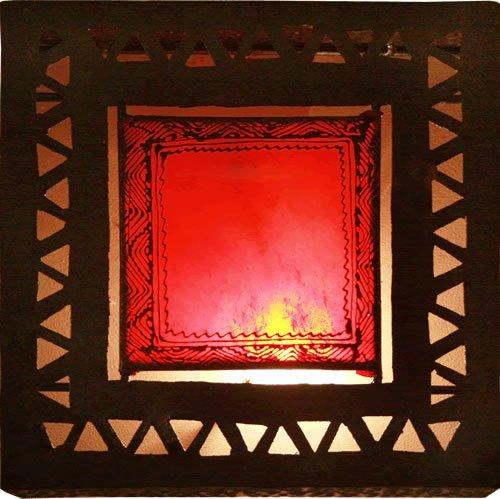 applique-murale-leche-mur-marocaine-en-henne-orientale-fait-a-la-main-fer-a-repasser-carre-rouge-h35