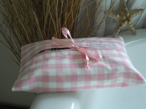 baby-cleansing-wipes-wet-wipes-case-or-holder-pink-gingham