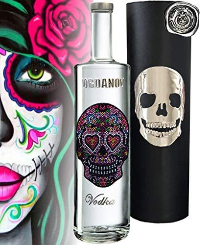 Vodka Geschenkset LOVE Skull Wodka über 1000 Schmuck-Kristalle Luxus Designer Vodka Iordanov in der Chrome-Geschenkbox Luxus-Geschenk für Frauen Alternative zu Prosecco Rose