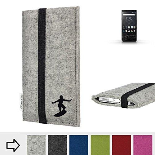 flat.design Handy Hülle Coimbra für BlackBerry KEYone Black Edition individualisierbare Handytasche Filz Tasche fair Surfer Urlaub
