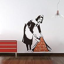 Asenart Banksy - Pegatina de pared para salón o dormitorio, diseño de sirvienta barriendo el suelo, vinilo, tamaño 58x 45cm