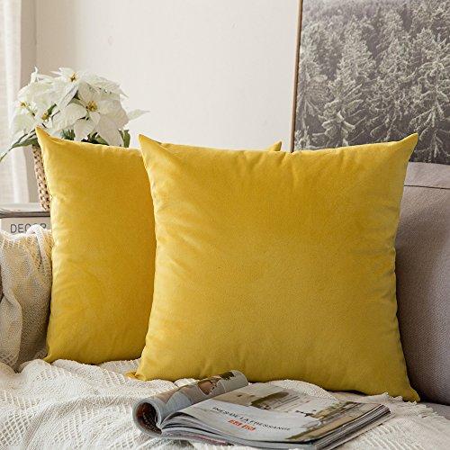 Pack de 2 cojines decorativos amarillos de terciopelo