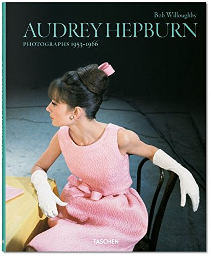 ju-25 Audrey Hepburn. Photographs
