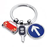 Llavero con 3 dijes: coche, llave de coche y señal de tránsito, metal fundido/es