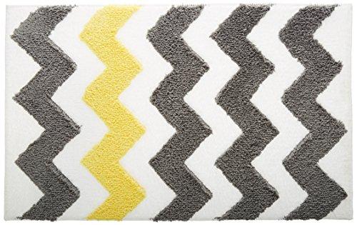 InterDesign Chevron Duschvorleger, rutschfeste und schnelltrocknende Badmatte aus Microfaser-Polyester mit Zickzack-Muster, grau/gelb Badezimmer-teppiche Interdesign