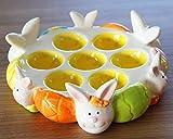 """Dekorative Eierplatte / Eierteller / Eierhalter für 7 Eier """" HASENFAMILIE """" aus hochwertigem glänzendem Dolomeit - wundervolle Servierplatte für Eier, Frühstückseier und auch Ostereier - Größe ca 21 x 6,5 cm - verschönern Sie Ihren Frühstückstisch - dekorativ nicht nur zu Ostern"""