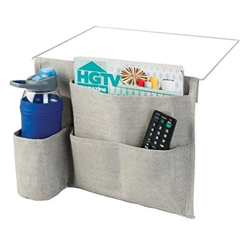 mDesign Bettablage zum Einhängen hellgrau – Hängeaufbewahrung für Mobiltelefon, Fernbedienung, Wasserflasche, Zeitschriften – Bett-Organizer für das Schlafzimmer – 4 Taschen