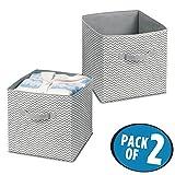 mDesign 2er-Set Aufbewahrungsbox aus Stoff – Ordnung im Kleiderschrank – große Box für Spielzeug, Kleidung oder Bettwäsche Aufbewahrung – grau/creme