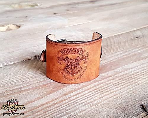 Harry Potter Hogwarts Armband. Trägt das Siegel Ihrer Lieblings-Zauberschule aus hochwertigem Leder.