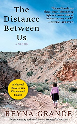 The Distance Between Us: A Memoir (English Edition)