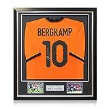Exclusive Memorabilia Maglia da Calcio dell'Olanda Firmata da Dennis Bergkamp. in Cornice Deluxe