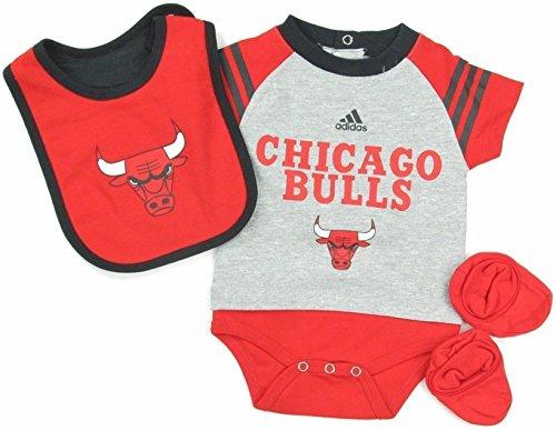adidas Chicago Bulls Kleinkinder NBA Grau Rot Little Player Baby Creeper, Lätzchen & Bootie-Set, Mehrfarbig -
