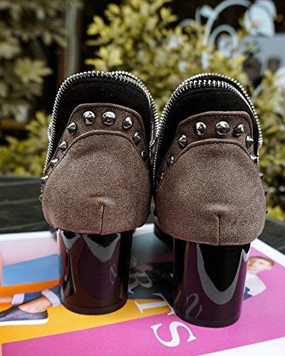Bottes Chelsea Femme Automne Hiver Mode Classiques Martin Boots Rivets Point Toe Bas Talons Chunky Bottines Jaune avec Peluche