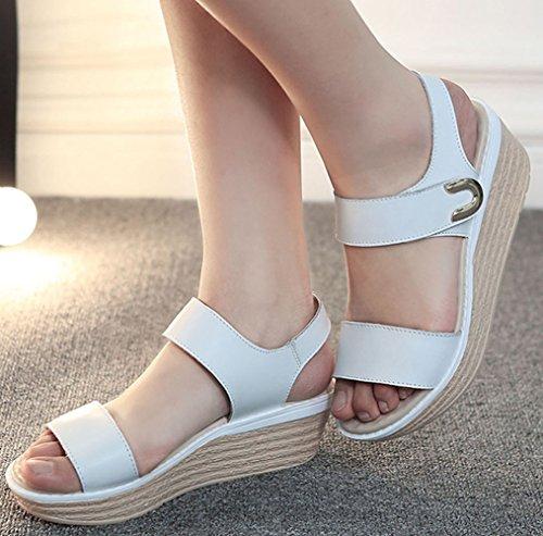 Frühling und Sommer Damen Leichtgewicht Offene Zehen Dicke Sohle Keilabsatz Moderne Slippers Römische Sandalen Weiß