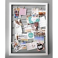 Spetebo Fotohalter 75x55 cm weiß - Gummileine mit 20 Holz Klammern - Fotorahmen Bilder Rahmen Galerie