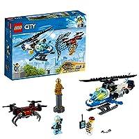 Arresta i criminali con il fantastico set dell'elicottero e del drone LEGO® City!Perlustra le strade di LEGO® City con il fantastico set Polizia aerea all'inseguimento del drone 60207, contenente un elicottero della polizia con cabina di pilotaggio p...