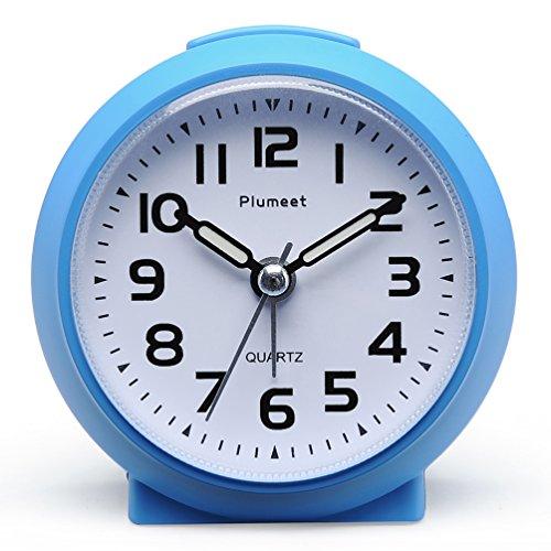 Plumeet Kleine Uhr, tickender Analog Quarzwecker mit Schlummermodus und Nachtlicht, niedlicher Farbe...