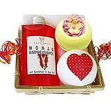 Lashuma Geschenkset Damen - Geschenkset Women 5 tlg., Duschbad und Shampoo Aloe Vera & Sandelholz, 2x Badebombe, Seifuch 30x30 cm creme – weiß im Bambuskorb