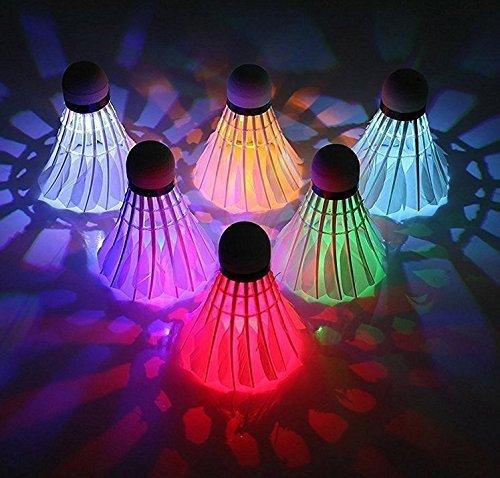 UChic 4 Teile / paket Bunte LED Badminton Shuttle hahn Dark Night Glow Birdies Beleuchtung Badminton Ball Indoor Sport Flash Farben Bei Farbe Zufällig Badminton Feather Birdie