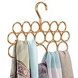 L'accessorio ideale per tenere perfettamente in ordine tutte le sciarpe e i foulard nel tuo armadio!  La gruccia porta sciarpe salvaspazio di mDesign è un oggetto bello e utile che ti permetterà di sistemare sciarpe, cravatte e foulard ordina...