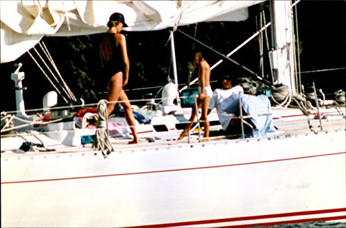 vintage-photo-of-princess-diana-aboard-a-yacht