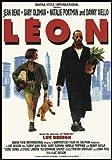 Close Up Leon der Profi Poster (101x71 cm) gerahmt in: Rahmen schwarz