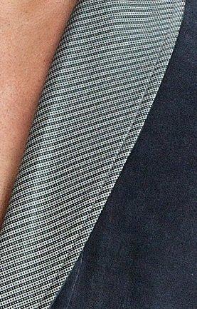 LEVERIE eleganter und kuschelweicher Bademantel / Saunamantel für Herren mit edlem Reverskragen und Bindegürtel Dunkelgrau mit Streifen
