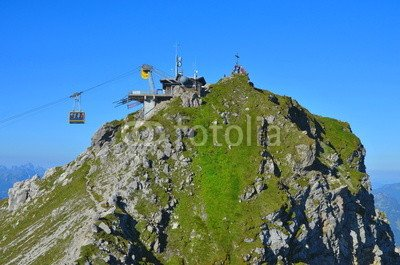 "Leinwand-Bild 140 x 90 cm: ""Seilbahn am Gipfel"", Bild auf Leinwand"