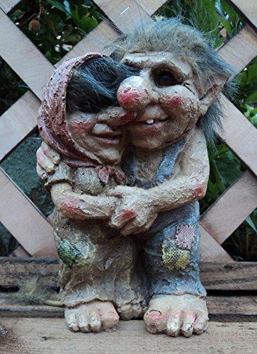 Loved Up Troll et Couple Talula Tarquin Nain de jardin décorative