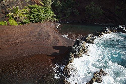 The Poster Corp Jenna Szerlag/Design Pics - Hawaii Maui Kaihalulu red Sand Beach in Hana. Photo Print (96,52 x 60,96 cm)