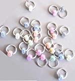 5 Nagelpiercings mit pastellfarbener Perle. Nagel Piercings