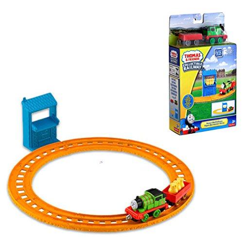 Fisher Price Zug Set Thomas und seine Freunde, robuste Die Cast Metall Lokomotive Percy mit Waggon und Güter Verladestelle  (Percy) (Lego Thomas)