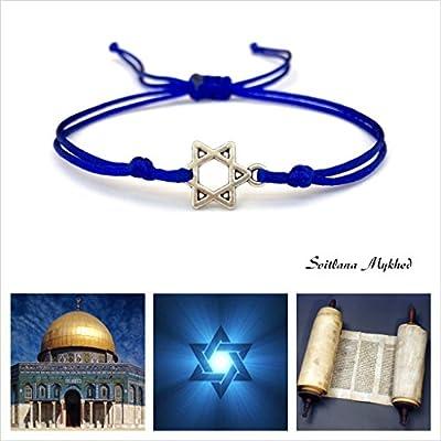 Bracelet style religieux juif ÉTOILE DE DAVID. SHALOM. SYMBOLE JUIF À SIX BRANCHES. HEXAGRAMME cordon satin bleu; création sur mesure Handmade