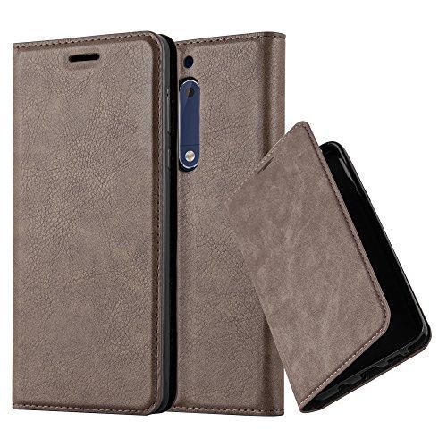 Cadorabo Hülle für Nokia 5-2017 - Hülle in Kaffee BRAUN – Handyhülle mit Magnetverschluss, Standfunktion und Kartenfach - Case Cover Schutzhülle Etui Tasche Book Klapp Style