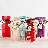 Hantier 30 Stücke Hochzeit Süßigkeitskästen mit Band und Blume, Geschenktüte Pralinenschachtel DIY Karton Geschenkbox für Hochzeit/Geburtstag/Party(5 Farben)
