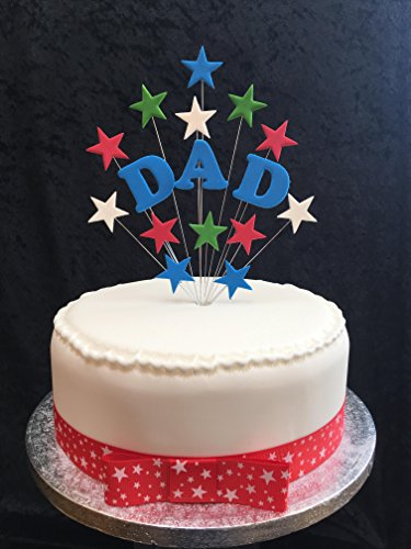 Karen's Cake Toppers Papa gâteau d'anniversaire Bleu, Vert, Rouge et Blanc avec étoiles Plus 1 x M 25 mm Rouge et Blanc étoile Ruban avec nœud monté