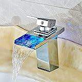 Wasserhahn LED 3 Farbewechsel RGB Square Wasserhahn Waschtisch-Einhebelmischer niederdruck Waschtischarmaturen Wasserfall Armatur für Bad Größe: 17.5x16x5cm