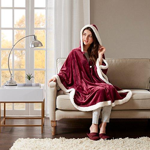 Preisvergleich Produktbild URBAN HABITAT Angel Wrap with Berber Saum Kuscheldecke im Poncho-Stil Wohndecke mit Ärmeln Wolldecke Super Flauschig Weich & Warm Bordeaux, 147*183cm