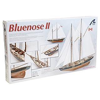 Holzmodell Boot: Bluenose II 1/75