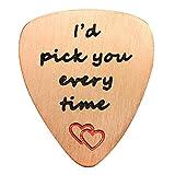"""Ciondolo a forma di plettro per chitarra, con scritta in lingua inglese """"I'd Pick You Every Time"""", regalo per San Valentino, unisex e acciaio inossidabile, colore: Rose Gold, cod. JT0003BP"""