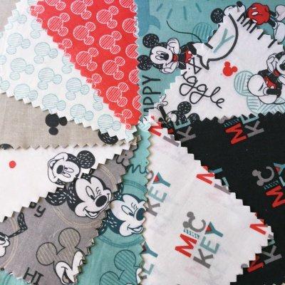 Unbekannt Camelot Mickey Maus 20Stück Charm Pack-Mickey Mouse Stoff Quilting Patchwork Charm Squares Bundle-Pink Weiß Blau Grau-von 12,5cm x 12,5cm (12,7x 12,7cm) Quilting Teilig -