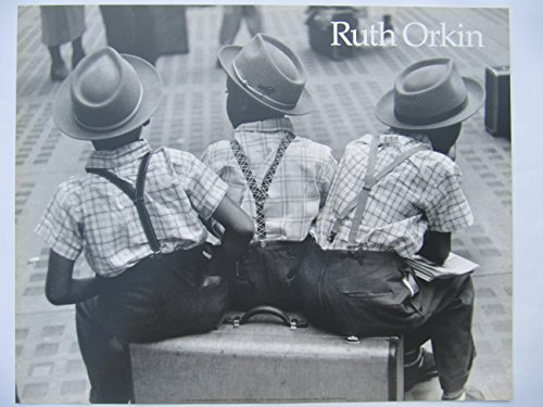 ruth-orkin-three-boys-on-suitcase-poster-40-x-50-cm
