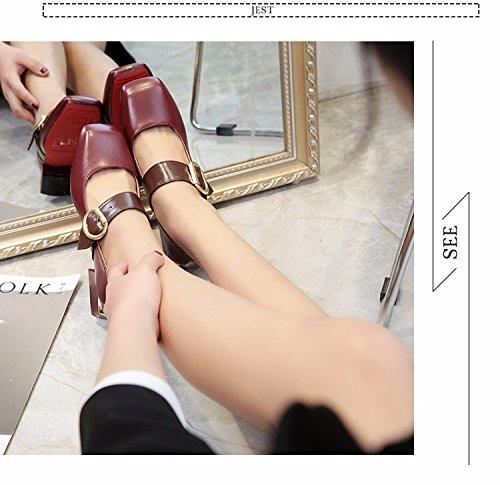 Avec Une Boucle De Ceinture De Chaussures À Bas Rétro - Boucle Documentaires Bruts Petite Bouche Square Chaussures Claret
