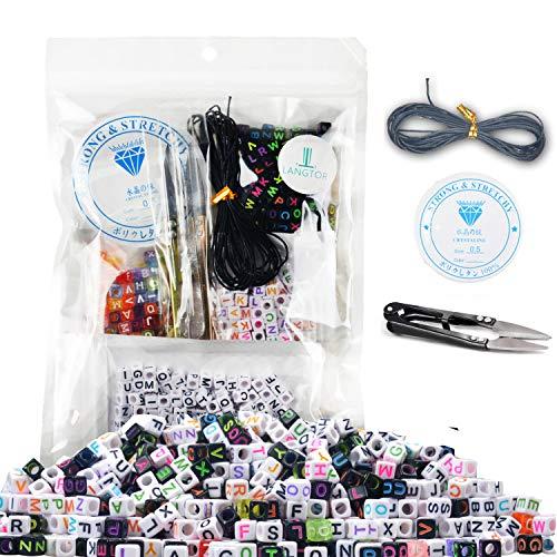 800 piezas 4 colores acrílico letras del alfabeto A-Z; cuentas de cubo con 1 tijeras, 1 cordón negro y 1 hilo de seda para hacer joyas para niños DIY collar pulsera (6 mm)