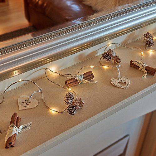 Auraglow Set de 15 lumières parfumées de festive de Noël LED à piles de cône de pin de cannelle parfumée