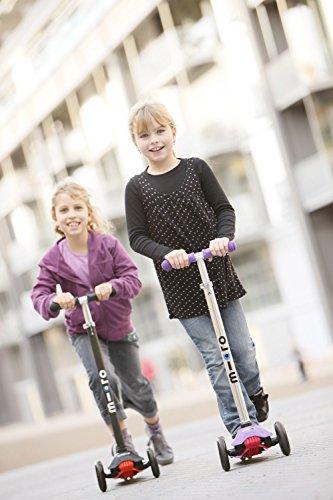 Micro Kinderroller Maxi Kickboard Schwarz mit Lenkstick -