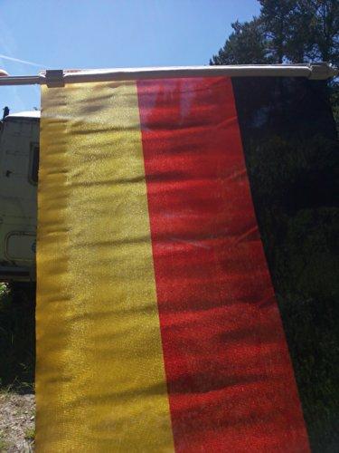 Deutschlandfahne Autofahne Flagge, Fußball, für Seitenscheiben, Schwarz Rot Gold, 45 cm x 30 cm, Fussball