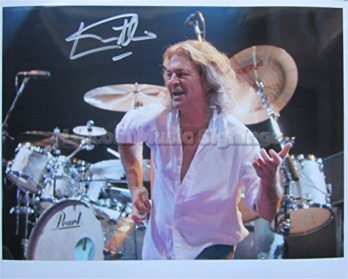 SUPERB IAN GILLAN SIGNED 10 x 8 PHOTO COA!