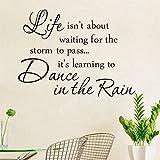 Inspiration Zitat Leben ist Tanz im Regen Sprüche Wohnkultur Wandaufkleber berühmte warme Wandkunst zu dekorieren Buch Zimmer Klassenzimmer Schlafzimmer 57x42cm